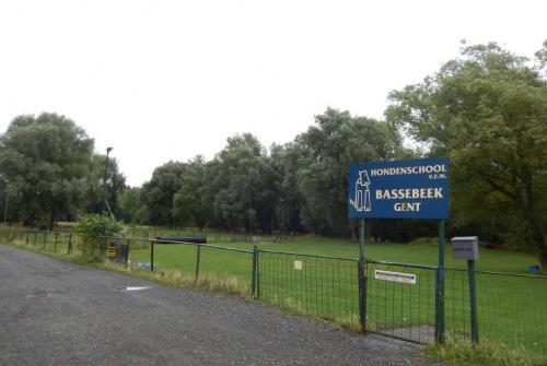 Halfweg hondensportveld Hondenschool Bassebeek.JPG