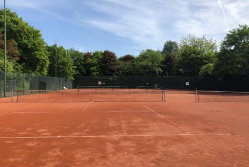 Zuiderlaan tennishal.JPG