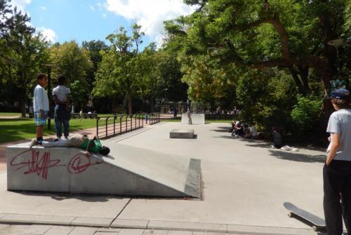 Zuidpark Graaf Van Vlaanderenplein skate.JPG
